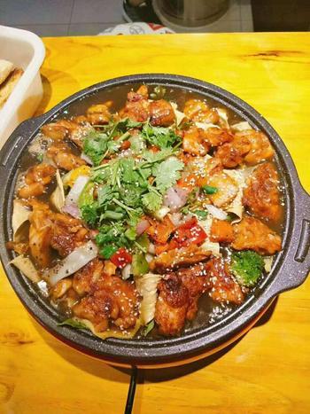 【霸州等】吉吉向上碳烤鸡肉煲霸州总店-美团