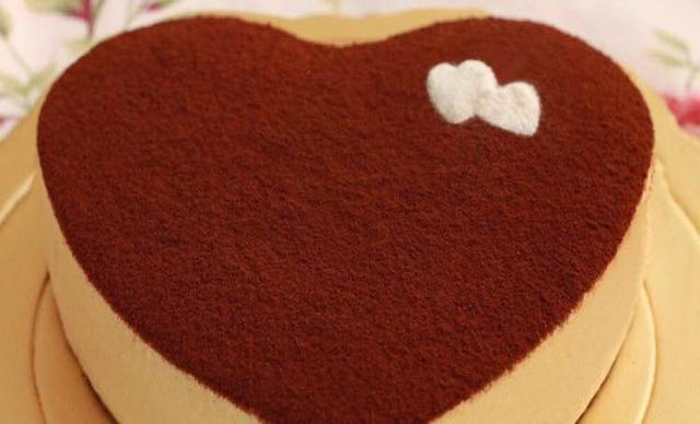 :长沙今日团购:【榴芒先生】慕斯蛋糕1个,约8英寸,心形