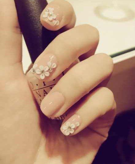奇水晶砖→雕花→韩式修眉,共计约40分钟 商家介绍 甲妆可爱美甲店