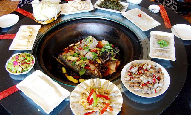 8-10人餐,2张美团券可升级海鲜一锅香下锅炖