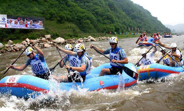 红河谷漂流一日游,每周六、日及节假日出发需另付10元/人