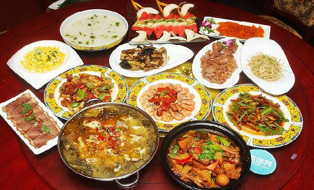 8人餐,提供免费WiFi,尽享地道的京帮菜