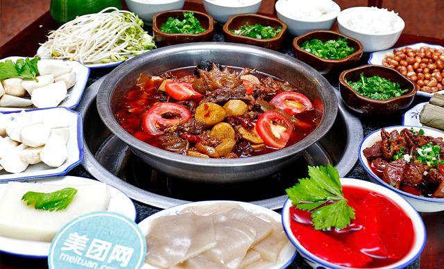 4-5人套餐,特色鸡火锅,地道味鲜美