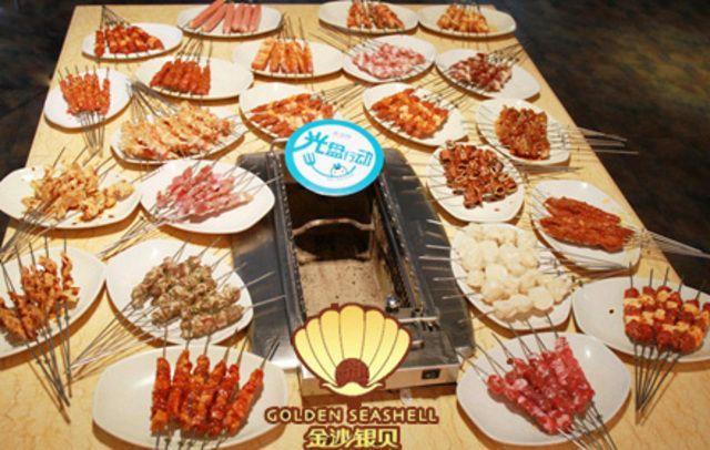 6人餐,赠送韩国泡菜组合1份+打糕1份。