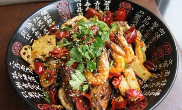 麻辣香锅4-5人餐,提供免费WiFi,饮料免费