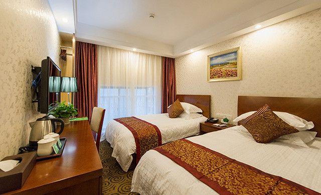 标准双人房入住1晚,可连住,商务酒店,WiFi,部分日期加钱