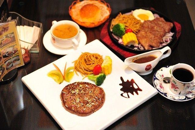 单人餐,提供免费WiFi,提供车位,附送当日浓汤和法式餐包