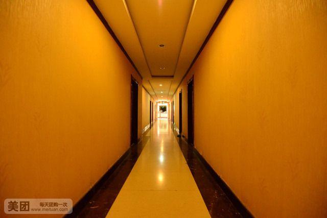 阳光宾馆-美团