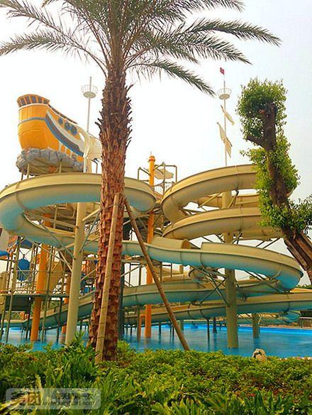 云门山水上乐园占地约20000多平方米,目前一期开放面积为5000平方米