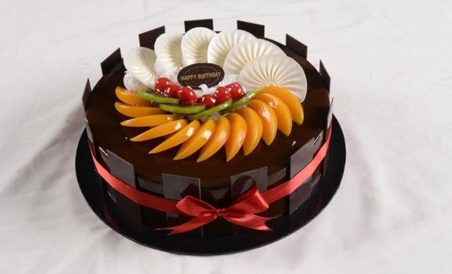 家家饼屋蛋糕,仅售108元!价值158元的蛋糕8选1,约12英寸,圆形。