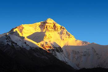 【拉萨出发】珠穆朗玛峰、羊湖、扎什伦布寺纯玩4日跟团游*珠峰4日巅峰之旅-美团