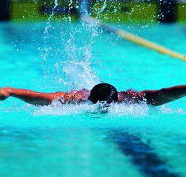 一池清水游泳馆