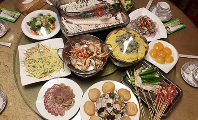 【洪湖目的野鸭子馆】6-8人餐,有赠品,提供免费特色美食节男明星过参加图片