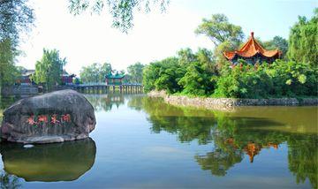 【西安出发】雍州古镇、灵山庙、东湖公园1日跟团游*【踏青、拜佛】-美团