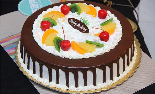 16寸水果蛋糕1个,约16寸,园