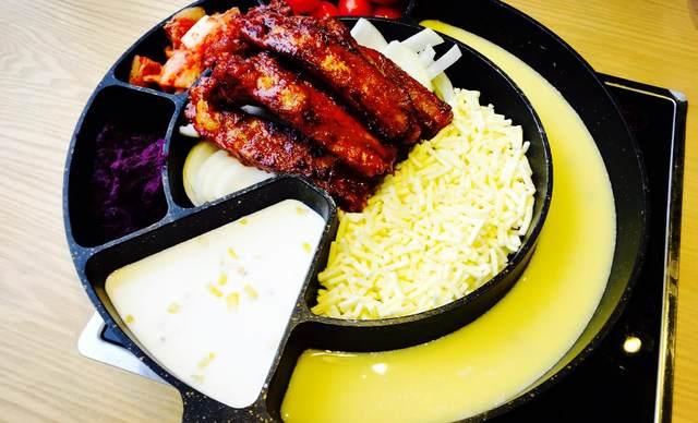 :长沙今日团购:【玛喜达韩国年糕料理】芝士肋排套餐,建议2人使用,提供免费WiFi