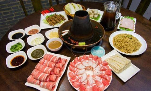 :长沙今日团购:【肆匠老北京涮羊肉火锅】六人午餐自助火锅,提供免费WiFi