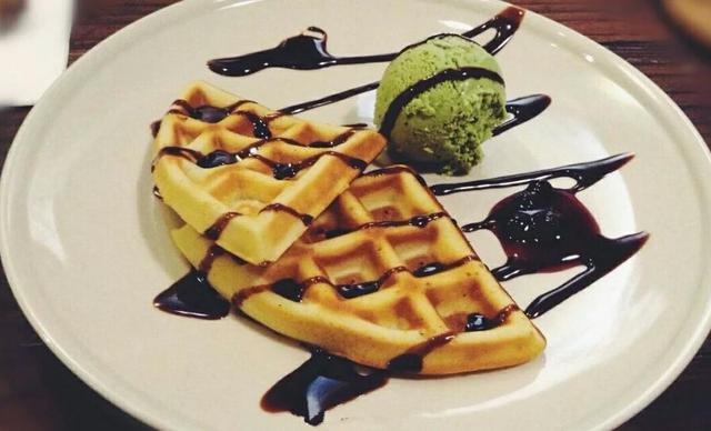 :长沙今日团购:【walk玩儿咖啡】华夫冰淇淋单人餐,包间免费,提供免费WiFi