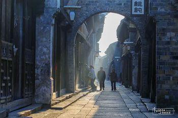 【上海出发】西塘、乌镇东栅、乌镇景区纯玩2日跟团游*深度纯玩双水乡-美团