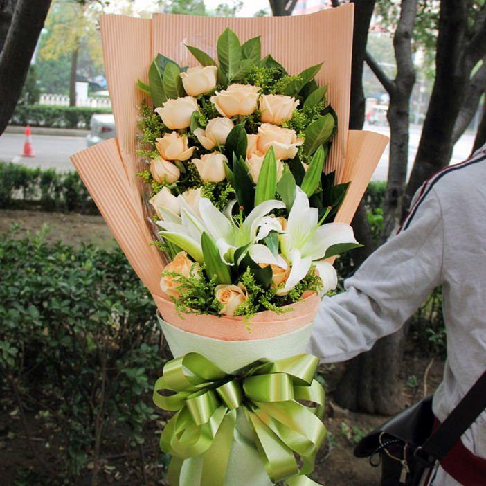 包装花束步骤图