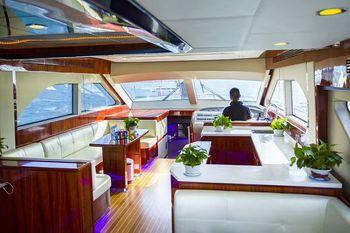 【鹿回头广场】28尺新西兰运动钓鱼艇拼船3小时(成人票)-美团