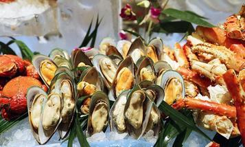 【南京】城市名人酒店喝彩西餐厅海鲜自助-美团