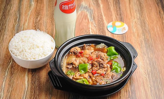 :长沙今日团购:【黄焖鸡米饭】黄焖鸡米饭套餐,建议单人使用,提供免费WiFi