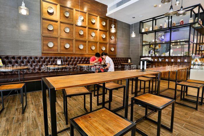烘焙店图片_杭城烘焙店争打个性牌现做现卖手工面包一天