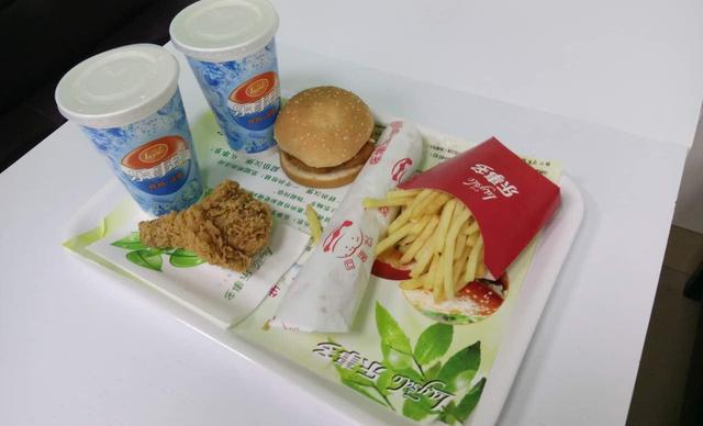 【河东】乐事多炸鸡汉堡双人餐,提供免费WiFi