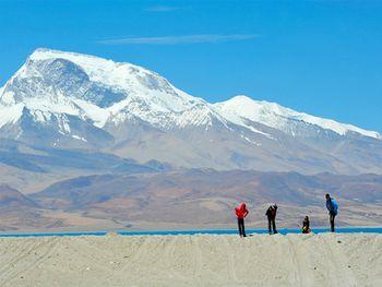 【拉萨出发】珠穆朗玛峰、羊卓雍措、卡若拉冰川等无自费4日跟团游*西藏必游路线!-美团