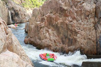 【五指山市】五指山红峡谷漂流门票(成人票)-美团