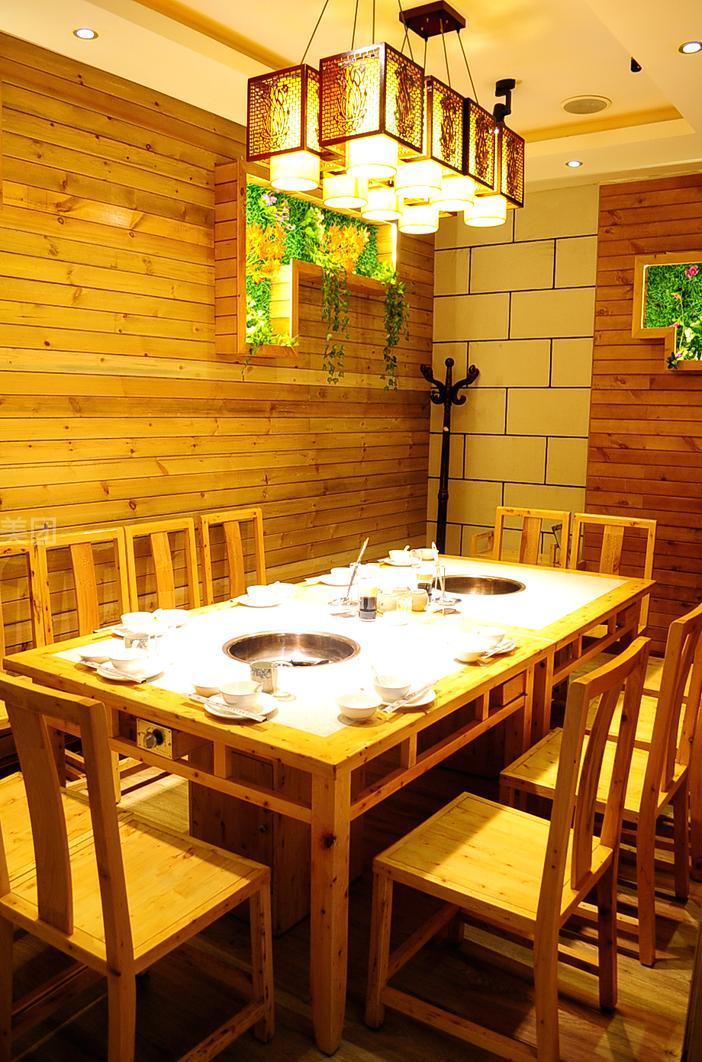 石锅饭店手绘墙画