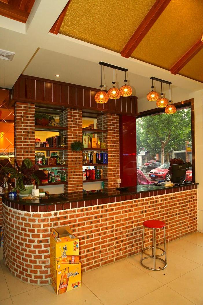 美食团购 海鲜 岱岳区 徐记老北京火锅    本店位于花园洲小区幼儿园