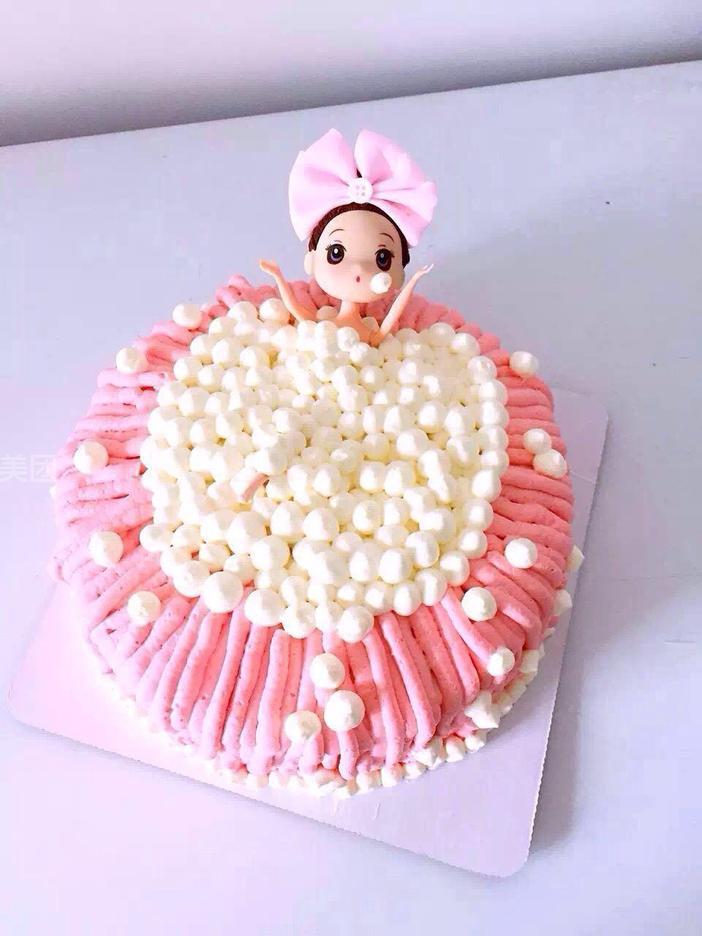 港湾广场 洛格法式甜品    超爱芒果蛋糕   巧克力裸蛋糕   可爱娃娃