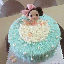 可爱泡泡浴芭比娃娃蛋糕图片