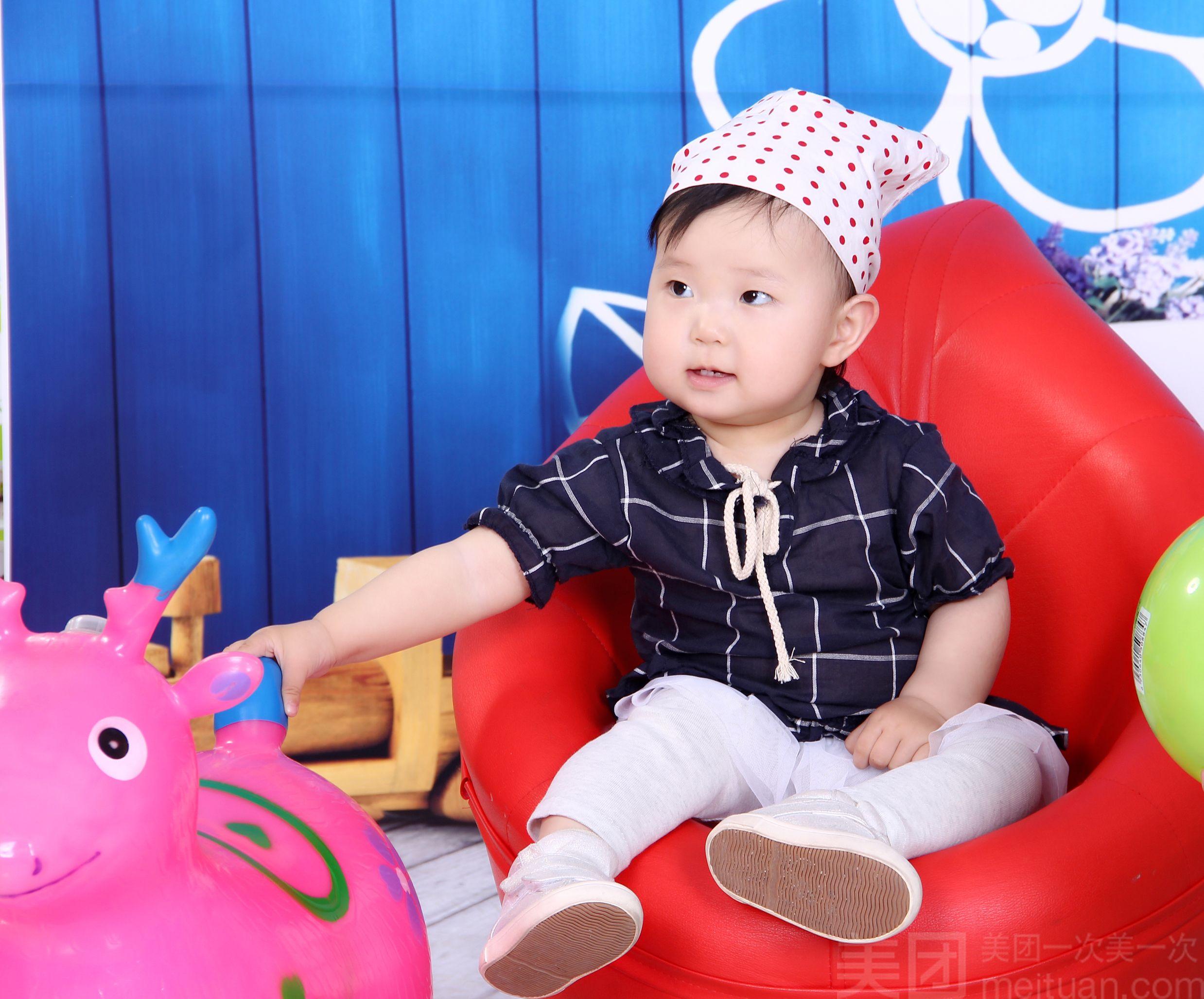 长春中国娃儿童摄影广场(红旗街店)