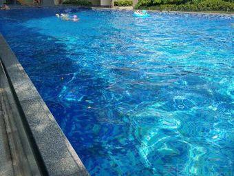 东岸美景游泳池