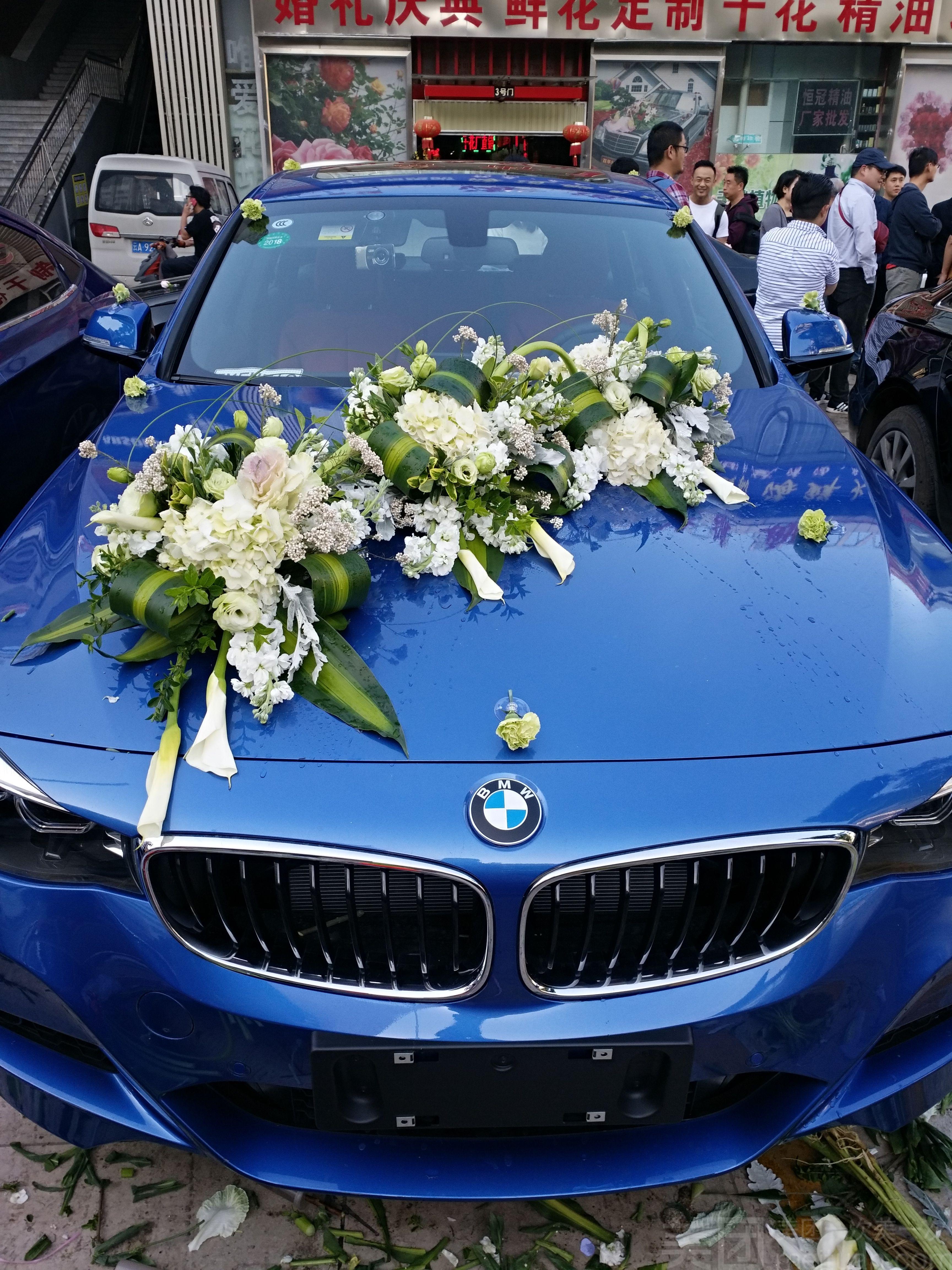 婚车装饰_迷恋花卉婚车装饰