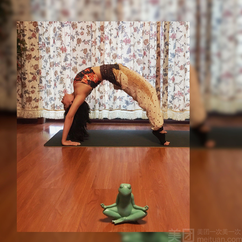 58 腰腹塑形课程 58 1次 58 肩颈调理课程 58 1次 58 阿斯汤加瑜伽图片