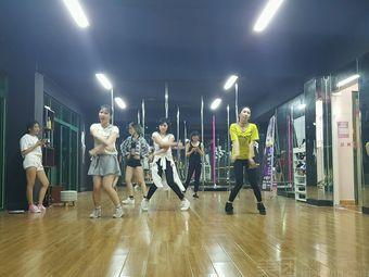 灵子舞蹈(清城校区)
