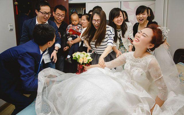 朋友婚礼玩了伴娘