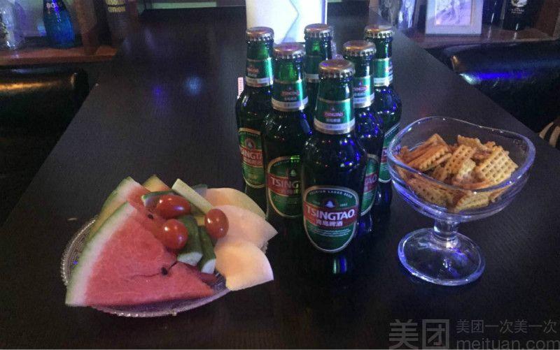 YoYo 酒吧(德福巷聚会啤酒团建)-美团