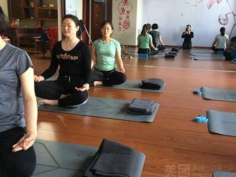 慢生活瑜伽舞蹈