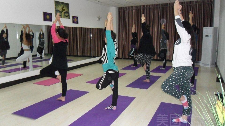圣伽梵瑜伽-美团
