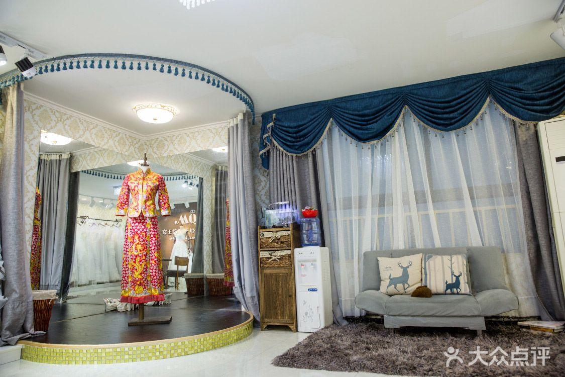 """馆专注于婚纱礼服租赁,定制,以""""时尚,简约""""为核心理念,在婚纱设计中"""