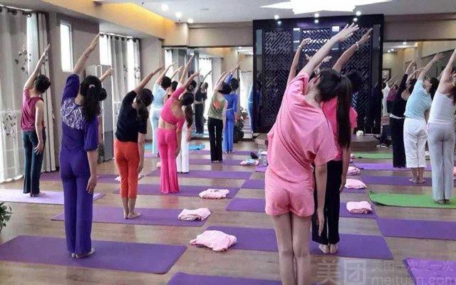 倾城瑜伽-美团