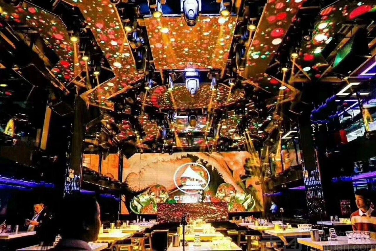 免预约 338/ 733 去看看 东莞 |酒吧 商家:格莱美酒吧 地址:南城街道图片