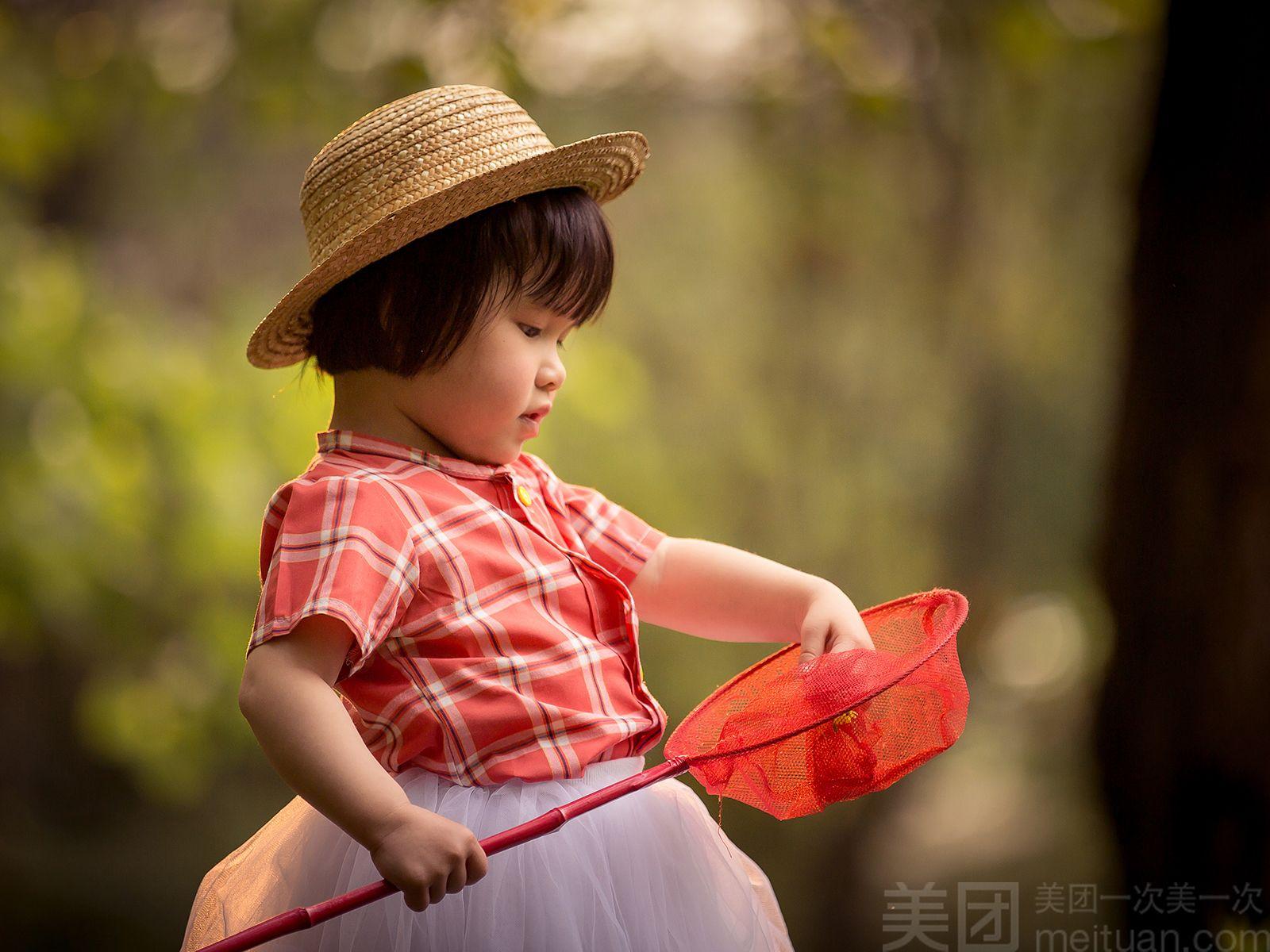 趣味儿童摄影   [本单亮点] 纯外景拍摄 底片全送 [适用年龄] 1-12岁
