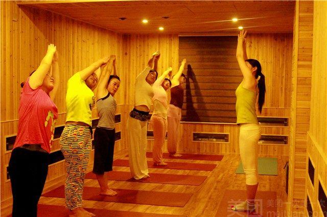 静雅瑜伽-美团