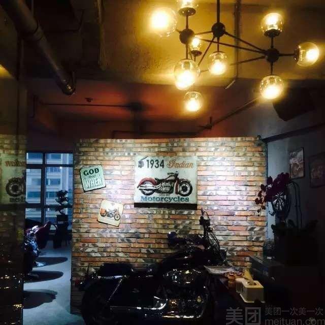 :长沙今日团购:【Seven style】单人技术总监精致剪发套餐